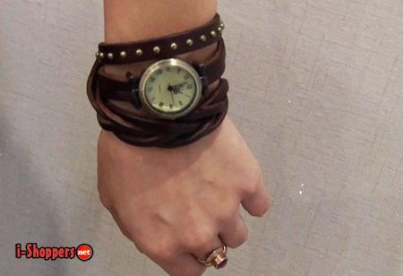 часы-аксессуар на женской руке