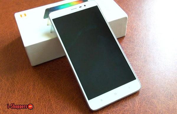 фронтальная поверхность смартфона