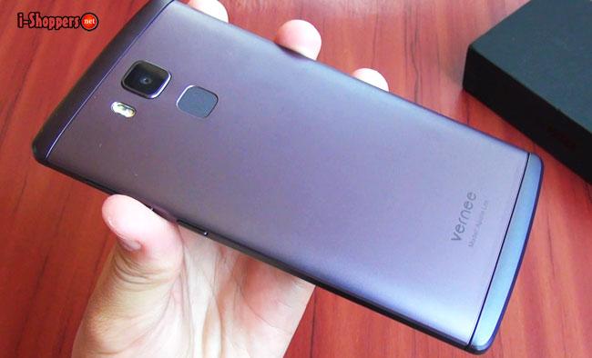 фиолетовый смартфон из металла